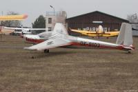 Vivat 8103 před hangárem